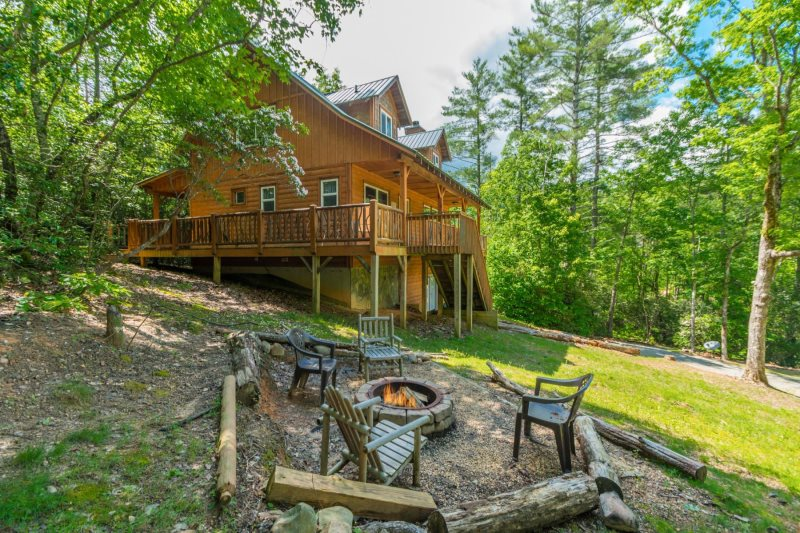 Large Private Cabin | Cabin with Sauna | Hot Tub | Game Room