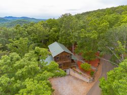 Mountain Escape | 4BR 3BA | Seasonal Mountain Views | Air Hockey | Pool Table | WIFI | Fire Pit