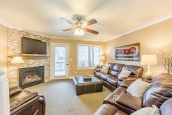 A Way Down Yonder | 3 BR 3.5 BA Helen Riverfront Townhome | Hot Tub | WiFi | River Views