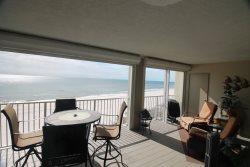 Spacious Beachfront 3 Bedroom with Great Views! Sleeps 10!