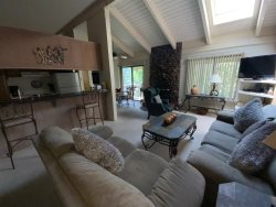 #116-Hot Tub, Pool, Spa, Common Game Room, 10 minute Walk to Town & Lifts