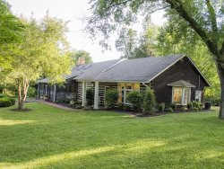 Historic Birdsong Lodge Conveniently Located to Downtown Nashville