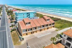 Four story beachfront townhouse with gulf views. Sleeps 14, 4 bedrooms, ( king, 2 queens, 2 twins,  full/ twin bunk )  3 bathrooms. No pets allowed. CITY PERMIT # 2015-507439