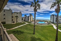Vacation rental condominium. Sleeps 6, 1 bedroom, ( 2 queens, sleeper sofa )2 bathrooms. No pets allowed. Great Beach Views! CITY PERMIT # 2015-430387