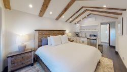 Delgado E - 1 Bed / 1 Bath, Luxury Studio