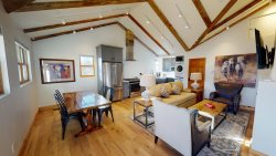 Bosque Casita: NEW Casita in The Downtown Railyard District just a short walk to the Plaza