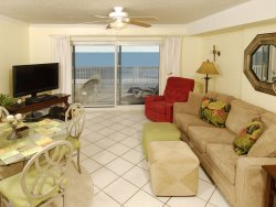 Family Friendly Fun ~ Beachfront ~ Awesome View ~ Convenient