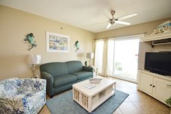 Family Fun ~ Convenient Location ~ Small Dog Allowed ~ Awesome Beachfront View