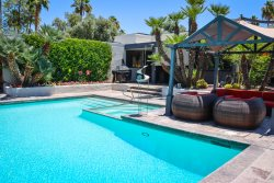 RELAX...ESCAPE...ENJOY YOUR OWN PRIVATE PALM SPRINGS OASIS!