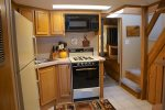 Fully Furnished Kitchen for Guest Enjoyment