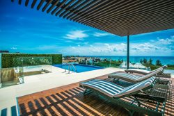 Panoramic view -Two steps from the beach