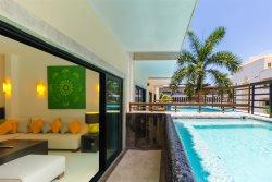 Luxury unit with private plunge pool, beachfront Condominium