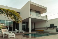 Fantastic and modern, loft type villa, welcome to ViraSol in Chelem Puerto