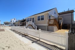 $2400/week Oceanside Bungalow with new renovations