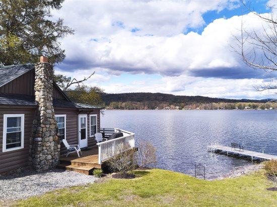 Beautiful Pleasant Lake Retreat