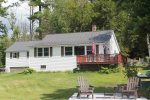 Charming 3 bedroom 1.5 bathroom house on Mountain View Lake
