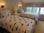 Whale Twins room with 2 twin beds