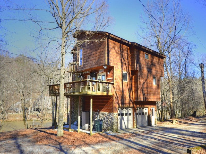 perfect cabins getaway ellijay ga a in large sliding getaways georgia rock cabin exterior