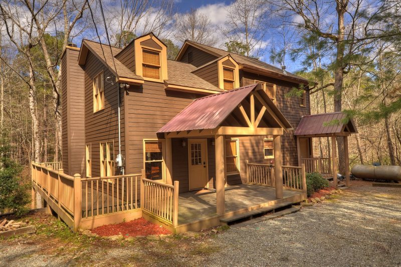 Clear Creek Cabin-GA Riverfront Rental | North Georgia Vacation Spots