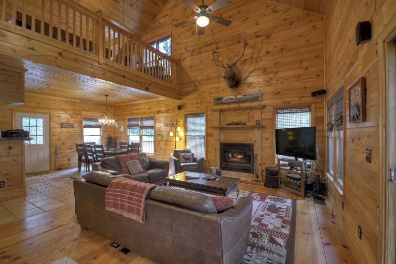 Clear Creek Cabin-GA Riverfront Rental | North Georgia