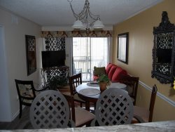 Pelicans Landing 132 (Upgraded 3 Bdrm/2 & 1/2 Bath) ***