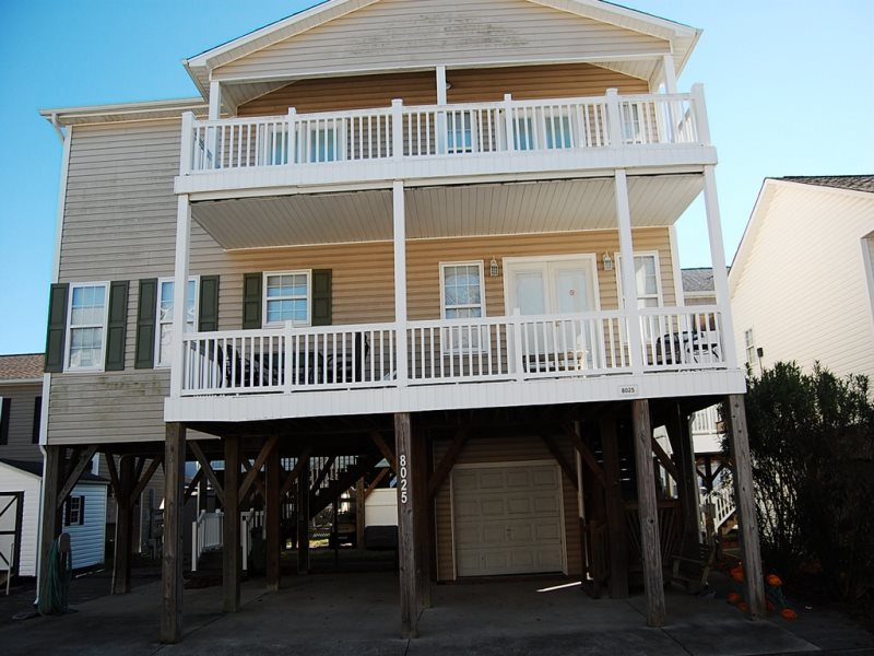 Ocean Lakes Myrtle Beach Surfside Beach Seasons Coastal Vacations Vacation Rentals Homes 4 Bedroom Rentals