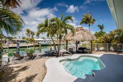 A Cut Above 3bed/2bath updated half duplex with private pool & cabana club