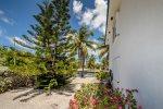 Dori's Casa 2bed/2bath Corner Condo with dockage & shared pool