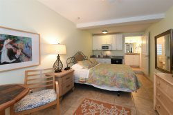 Grande Flats #2 An Efficiency Room With Queen Bed In The Heart Of Boca Grande