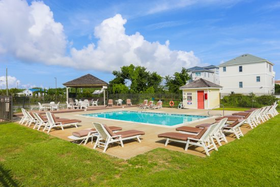 Pet Friendly Rentals - Outer Banks | Dog Friendly OBX Homes