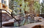 The Willows outdoor hot tub area.