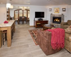Rams-Horn Vail, Suite 2, 2 Bedroom/2 Bath, Pool & Hot Tub! Mountain Views!