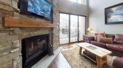 Landmark #208, Platinum Rated, 3 Bedroom/3 Bath, Sleeps 10, Pool & Hot Tubs!
