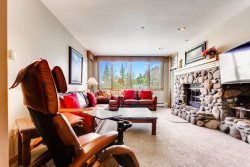 Highlands Lodge 201, SKI IN/SKI OUT, 3 Bedroom/3 Bath, SKI IN/SKI OUT, Views! Pool & Hot Tub!