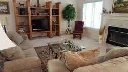 4 Charca Way - HDTV, WIFI. Nicely furnished vaction rental home in Magellan Subdivision and minutes to 4 Championship golf courses and Lake Balboa in Hot Springs Village Golf and Lake Resort