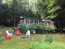 Milliken Island Rd | Lakefront cottage on Damariscotta Lake