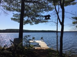 Damariscotta lakefront newly renovated cottage in Nobleboro
