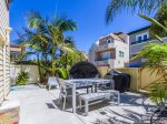 STEPS to MISSION BEACH AND MISSION BAY. Walk Street w/ Large Entertainment Area