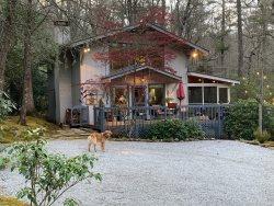 Red Rooster Cottage  Highlands Vacation Rental