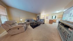 30+ Day + designated parking+Smart TV+2 bedrooms with private bathrooms