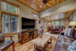 Backs to National Forest-High End Chalet-Indoor Pool-Hot Tubs