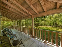 Trails' End, Pet Friendly Log Cabin on Signal Mountain, 50% Down To Reserve