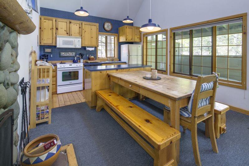 Sunriver Oregon Vacation Rental Circle 4 Condo 2
