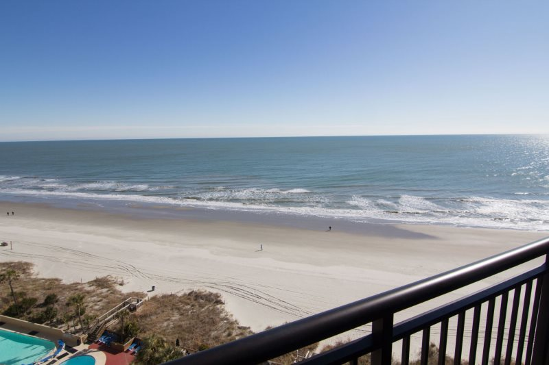 Luxurious 1 Bedroom Condo That Is Oceanfront In The Beach Cove Resort This Property Has Excellent Amenities Beach Cove Resort Offers 4 Outdoor Pools Three Oceanfront Whirlpools 350 Lazy River Indoor Pool