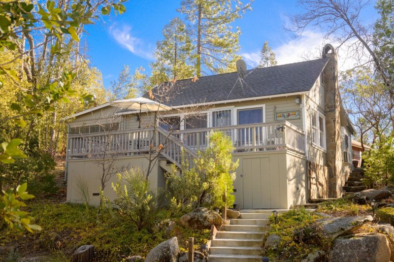 Cool Sierra Vacation Home Rentals Comfy Cabin Best Image Libraries Barepthycampuscom