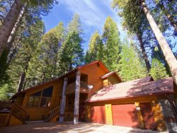 Large Home Minutes from Yosemite's South Entrance!