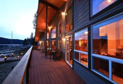 7-bedroom Luxurious Lakefront Home with Private Boat Dock and 3 decks overlooking the lake
