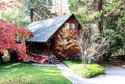 Beautiful Waterfront Lodge Sleeps 12 with Boat Dock, Lake Views & Near Yosemite!