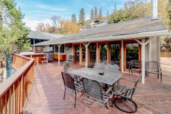 Remodeled Lakeview home, has Boat Slip