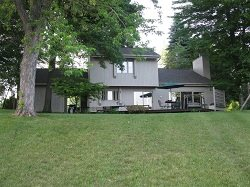 Beautiful 3 bedroom/2 bath on East Canadian Lake